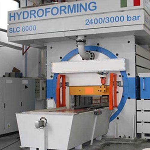 Pressa idroformatura